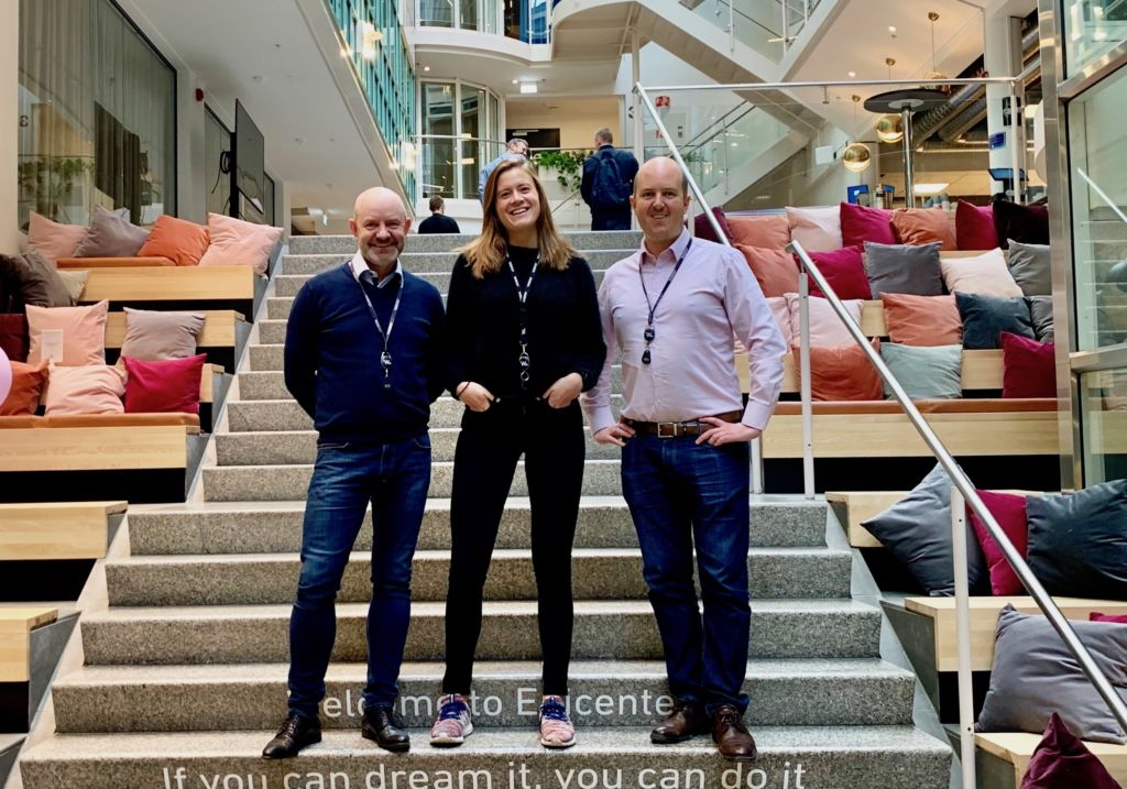 Klar med Innsikt Arena: – Vi er et ekspertmiljø på innsikt. Nå gir vi tilbake til fagmiljøet og markedet, sier rådgiverne (f.v.) Mathias Karthum og Harriet Wright, og avdelingsdirektør Inge Nyheim.