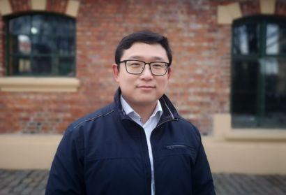 Dapeng Han